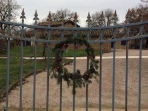 Lou Papagai wreath